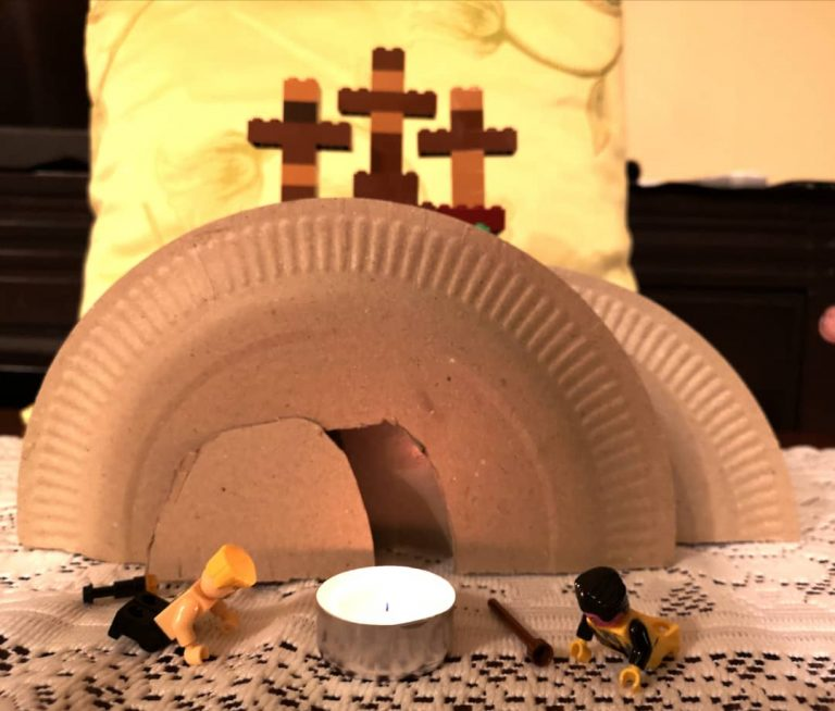 Read more about the article Eight-year-old makes Good Friday and Easter scenes from Lego and paper plates